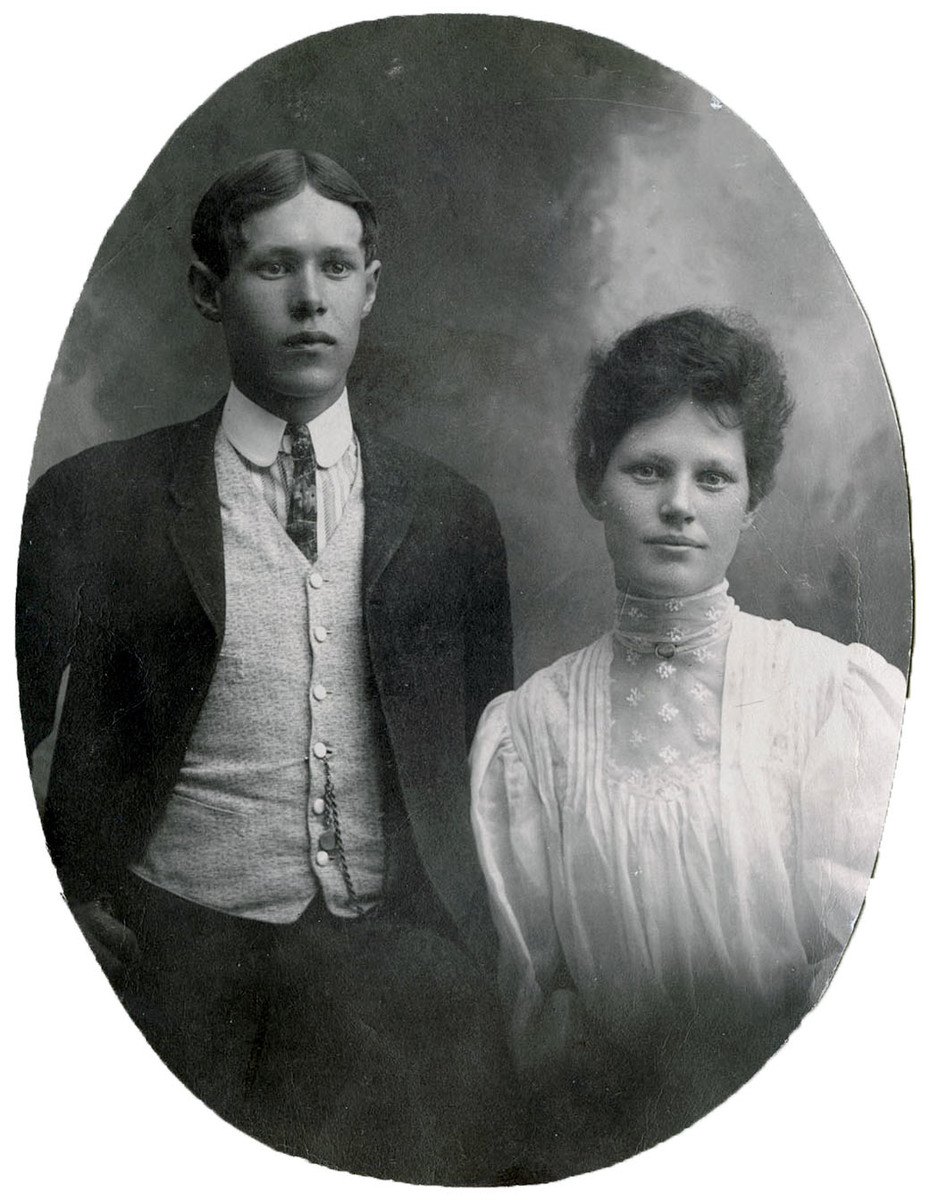 William and Ada England 1905 graduation photo