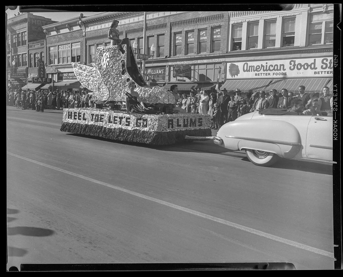 Student Union parade float, Homecoming 1953