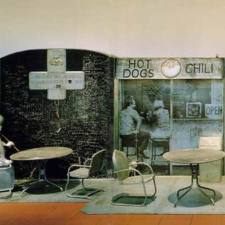 Edward_kienholz__Portable_war_memorial_1968.jpg