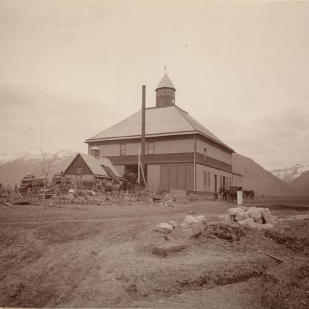 Model Barn, 1898