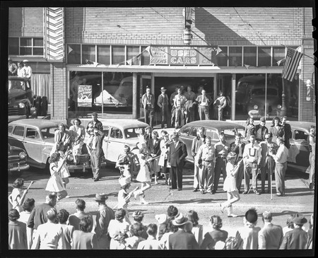 USU marching band in the homecoming parade, 1948