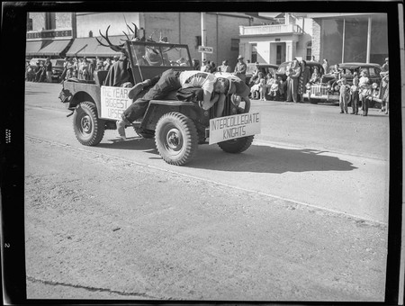 """The Year's Biggest Upset"" float in the Homecoming parade, 1950"
